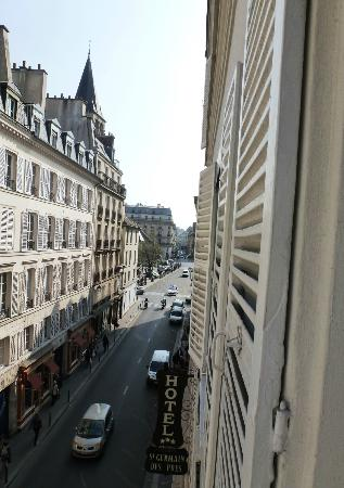 Hotel Saint Germain des Pres: View of the Street from our Hotel Room