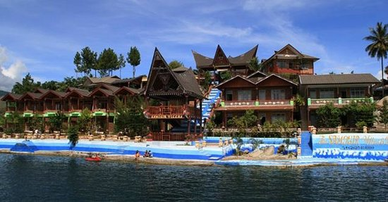 Samosir Villa Resort: view from lake Toba