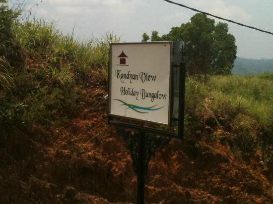 Kandyan View Holiday Bungalow: Hotel Sign
