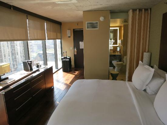 Southeast corner room picture of dana hotel and spa for Chicago resorts and spas