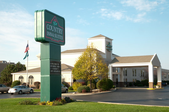 Country Inn & Suites Greenfield