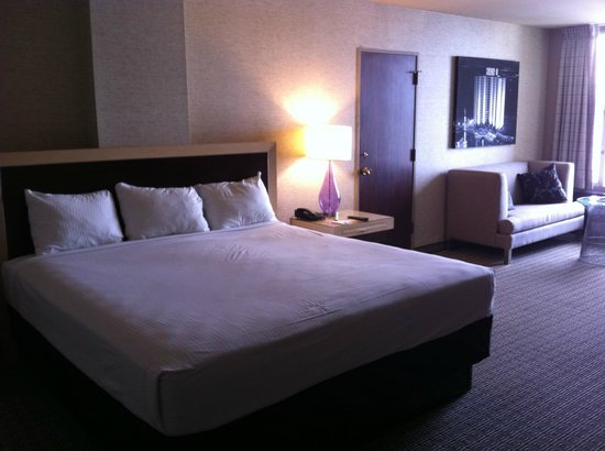 Plaza Hotel & Casino: Room