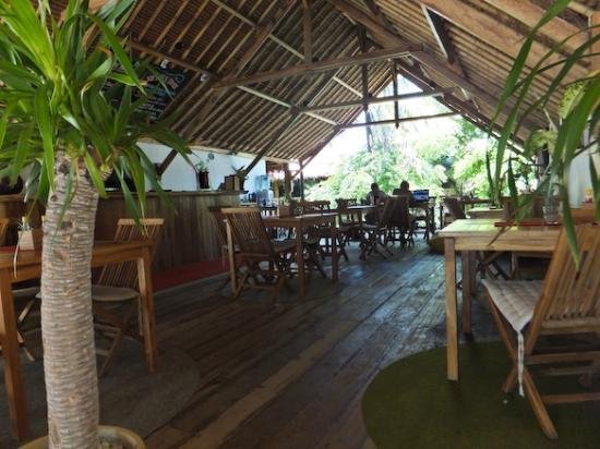 Gili Hotel: The Deck - restaurant