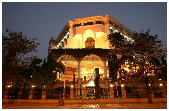 Sun-n-Sand Hotel, Pune
