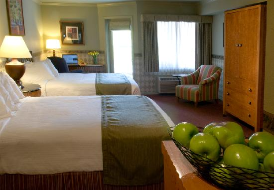 Century Hotel: Spacious double rooms available