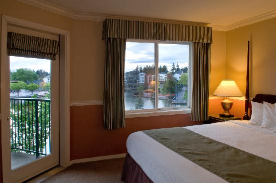 Century Hotel: Lakeside views available in many rooms