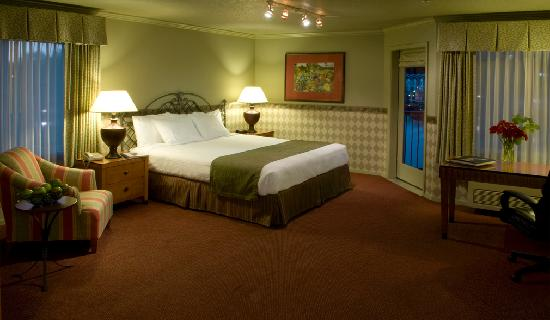 Century Hotel: Very spacious, oversized guestrooms