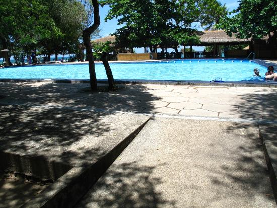 Nilaveli Beach Hotel: Pool