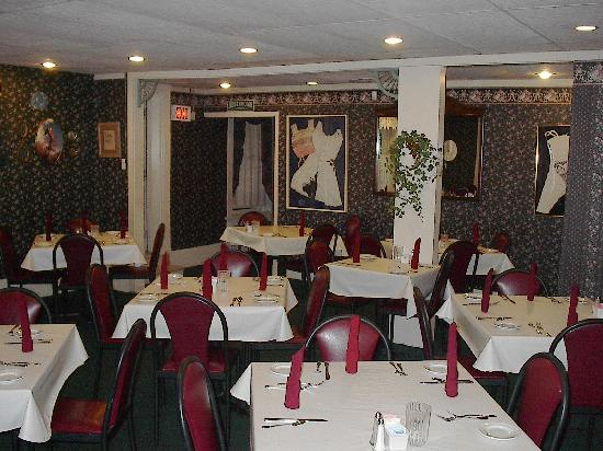 LulaBelle&#39;s: Main Dining Room