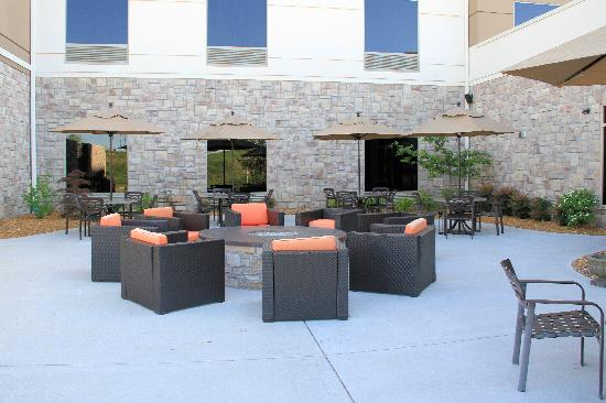 "Hilton Garden Inn Springfield: Fire ""pit"" on patio."