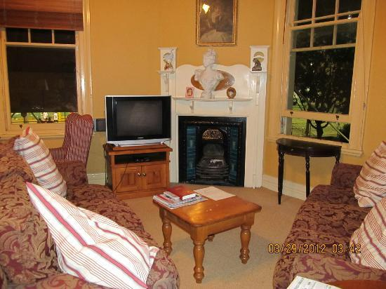 The Australian Heritage Hotel: Living room