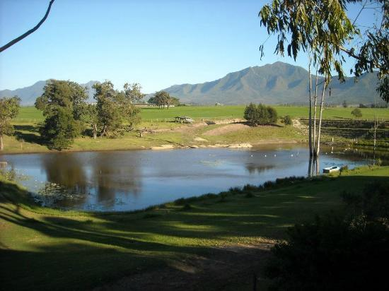 Ibis Place Country House & Cottages: Mountain view