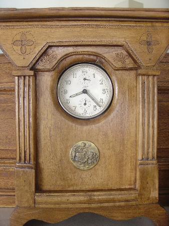 Apopsis Zoy's Guesthouse: Old clock