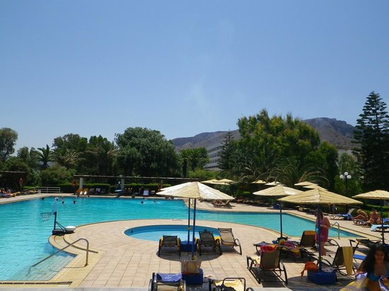 Apollonia Beach Resort &amp; Spa: Pool