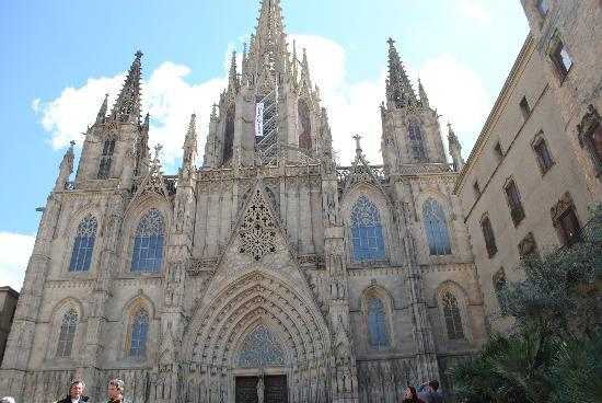 view from the roof of Cathedral of Santa Eulalia - Picture of Catedral de Bar...