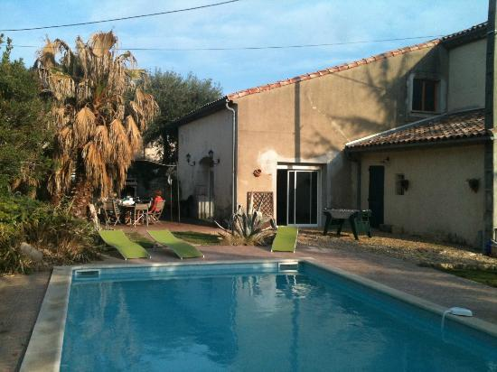 Salleles-d'Aude, Frankrike: pool and patio