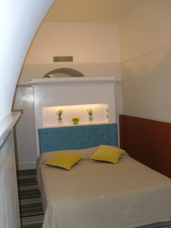 Piazza di Spagna Prestige: bedrrom for 2 . very modern and like new