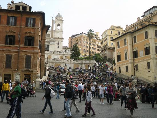 Piazza di Spagna Prestige: spanish steps just arouns the corner from hotel