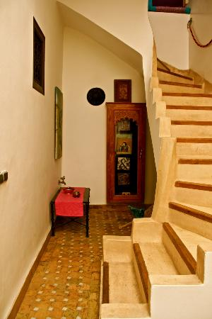 Dar Charkia: Stair Case to the suite
