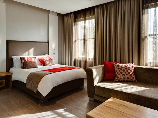 Protea Hotel Breakwater Lodge: Business Suite
