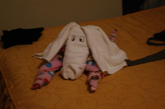 Antawasi Hotel: Towel Origami