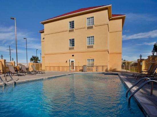 La Quinta Inn & Suites Iowa: Pool