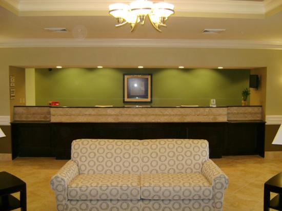 La Quinta Inn & Suites Iowa: Front Desk
