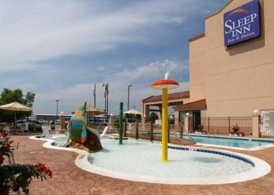 Sleep Inn &amp; Suites Rehoboth Beach Area: Pool