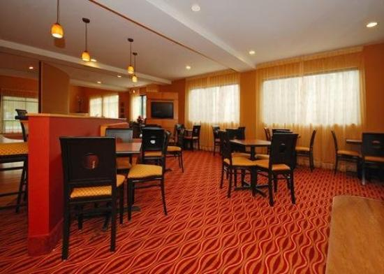 Comfort Suites Salem: Restaurant