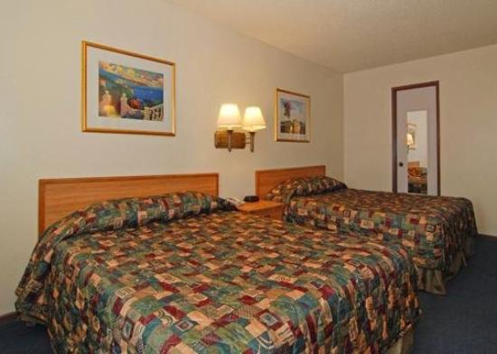 Rodeway Inn Riverside: Guest Room