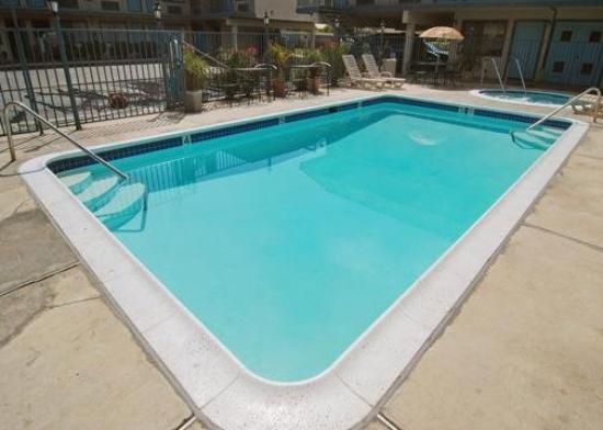 Rodeway Inn Riverside: Pool