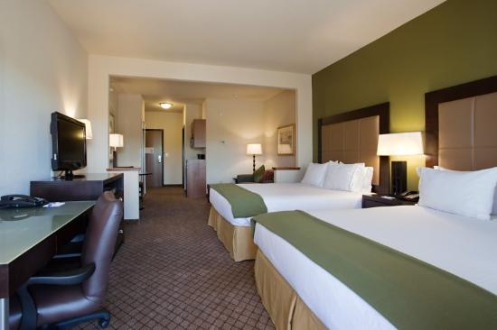 Holiday Inn Express Hotel &amp; Suites Silt - Rifle: Unwind in a spacious 2 Queen Suite!