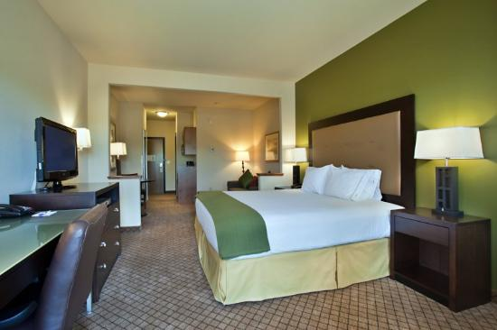 Holiday Inn Express Hotel &amp; Suites Silt - Rifle: Settle back in a spacious King Suite.
