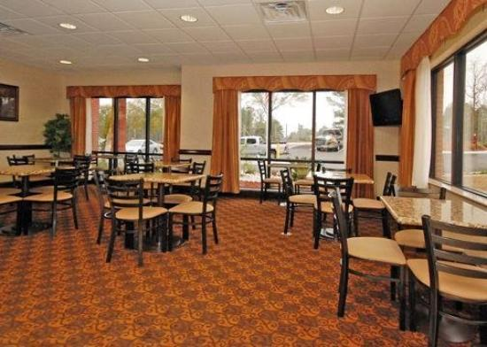 Comfort Inn &amp; Suites: Restaurant