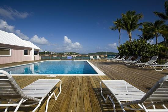 The Anchorage Beach Resort: Pool