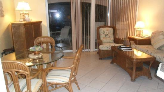 Inn at Grace Bay: Living room