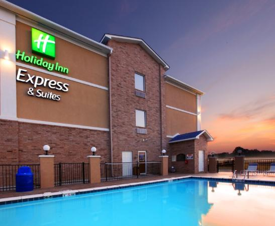 Holiday Inn Express Hotel & Suites Clarksville: Swimming Pool