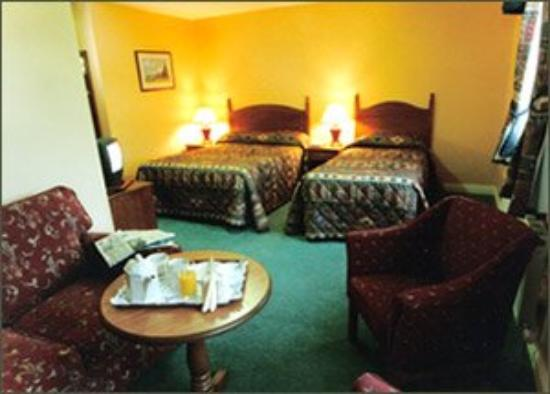 Woodfield House Hotel: Guest Room