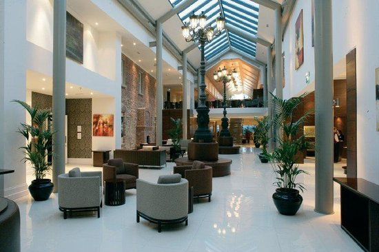 Lyrath Estate Hotel, Spa & Convention Centre: Lyrath Foyer