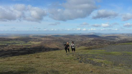 Leadhills, UK: The smug walkers - look at those views!