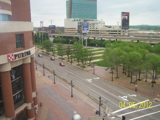 Drury Inn & Suites St. Louis Convention Center: View from 6th Floor Suite