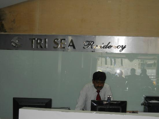 Tri Sea Residency: unfriendly Guy