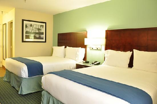 Holiday Inn Express San Diego Sea World - Beach Area: 2 Queen Sized Beds-With comfortable plush bedding