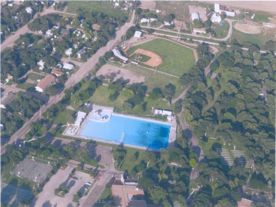 Garden City (KS) United States  city photos : The Big Pool: World's Largest Hand Dug Swimming Pool