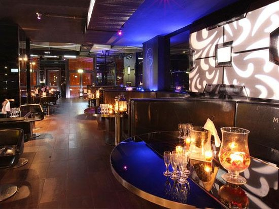 Old fashion club reviews milan lombardy attractions for Milan nightlife