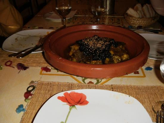 Riad Abaka: Tajine with beef and dates.