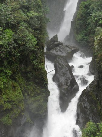 Pailon del Diablo (Devil's Cauldron)
