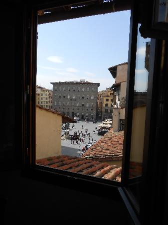 Residenza d&#39;Epoca in Piazza della Signoria: view of Piazza Della Signoria from bedroom window -- great location!