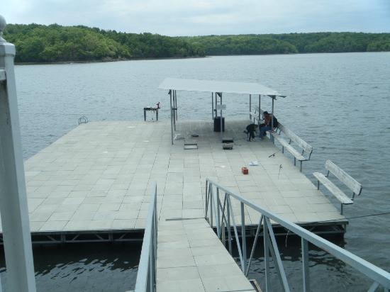 Resort at the Lake of the Ozarks: Swimming / fishing platform