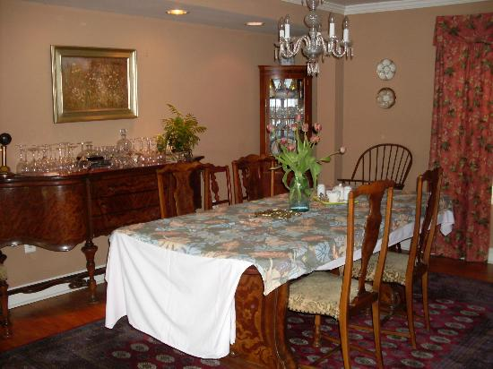 Hambleton Inn: Breakfast dining area
